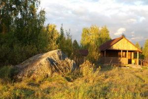 Дома в Карелии на берегу озера турбаза Талвисъярви